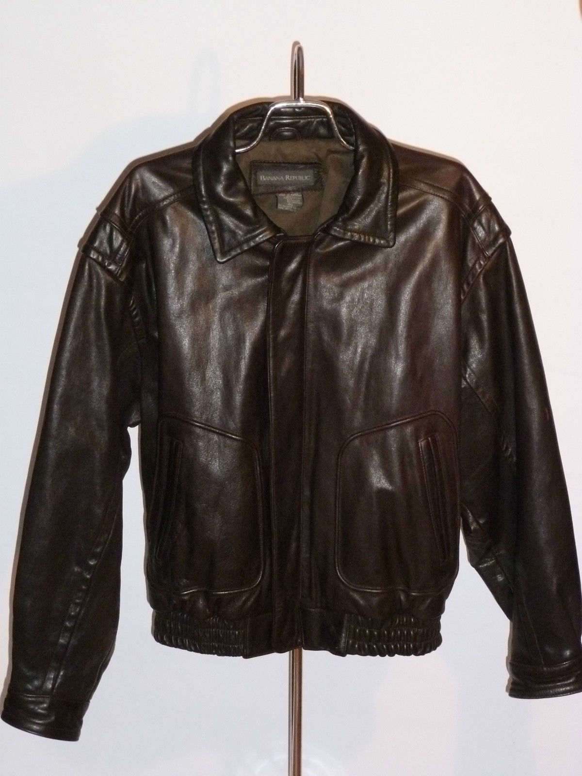 Men's Banana Republic Jackets Bought by Gap in , Banana Republic started as an independent retailer selling reworked military uniforms and tailored casualwear before it received a .